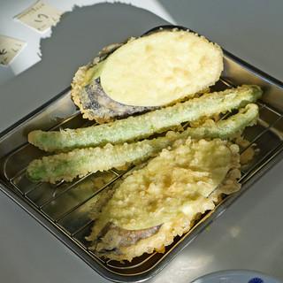 天麩羅処ひらお - 料理写真:アスパラガス と 茄子