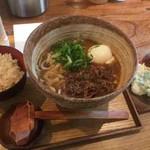 うどん山長 - 牛煮込みカレーうどん、鶏しそ巻き天ぷら