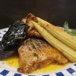 零 - 真鯛の桑焼き 自家製トマトソースと共にアップ