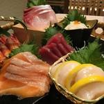 おもてなし旬魚と地鶏 ととや - 鮮魚の盛り合わせ