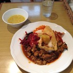 KING LION スリランカレストラン&バー - パリップ、スリランカカレーランチプレート