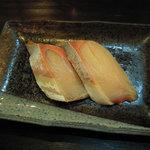 虎寿司 - 食べ応えがあるハマチです。