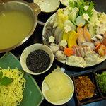 虎寿司 - 虎寿司定番鍋のヘルシー鍋です。