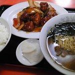 大興飯店 - 酢豚とラーメンのセット