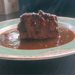 マリーアイランガニー - 岩山の様な豚肉