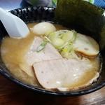 66671261 - 濃い鯵ラーメン(普通麺)