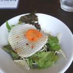 山根屋 - ランチのサラダ