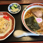 かなざわ亭 - 料理写真:ラーメンとミニ炒飯