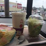 マクドナルド - ポテトはサラダに変更!油と糖分取りすぎちゃうもん^_^