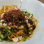usaco noodles - 本格汁なし坦々そば+温泉玉子 1030円