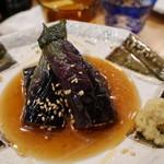 夜ノ焼魚 ちょーちょむすび - 茄子の揚げびたし300円。