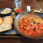 パン食菜館 トレトゥール - トマトソースのパスタセット