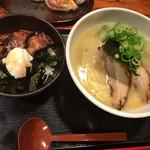 66677920 - 焼き豚丼セット♫この焼き豚丼が自分好みなんです♫鰻のタレ味なんですけどねw