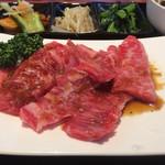 京城苑 - 定食のカルビ