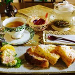 ごえん処 いわた - 料理写真:ハーブティー(ダイエット)¥500とモーニング(2017/5現在)