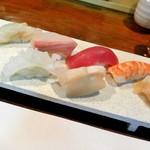 魚屋 けん坊 - 料理写真:握り寿司