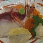 湯沢釜蔵 - 海鮮ちらし丼