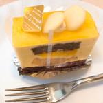 ボワサン - マンゴーケーキ  H29.5