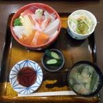 丸喜寿司 - 海鮮丼(税込1,680円)