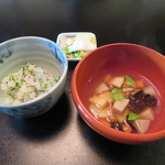 欅苑 - 芹ご飯