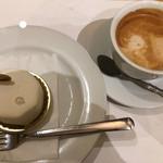 ルーチェ - ケーキ&ハニーカフェラテ       *レアチーズの中にドライフルーツが入っていて、          凄い美味しかった♡