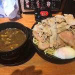 66692493 - カレーつけ麺 チャーシュー増し 肉男盛 唐揚げセット