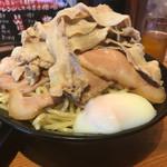 66692494 - カレーつけ麺 チャーシュー増し 肉男盛