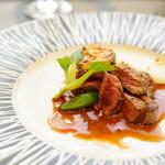 66696173 - ランチ menu B (¥3,600) 本日の一押しお肉のプレート