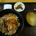 サンフェスタいしかわ 駅の食堂屋さん - 料理写真:ひろさき豚辛丼