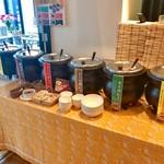 cafe rest montrose - 朝食バイキング(宿泊客\800) 5種類のカレー+ハヤシもあるでよ