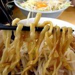ら~めん コジマル - 麺はゴワゴワモッチリ!