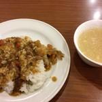 ビッグボーイ - バイキングのカレーライスとスープバーの中華スープ