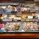 魚沼美味本舗 - 和洋菓子類のショーケース