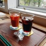 ハチカフェ - 水出しアイスコーヒー & はらんなかの雪下にんじんジュース