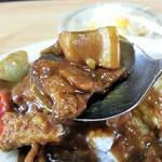 とんかつ新橋 - 豚肉と玉葱のカレーです