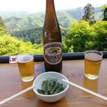 十一丁目茶屋 - 山うどのあぶら炒め&瓶ビール2017.4.30