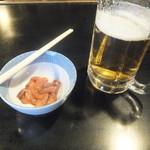 たかちゃん - 料理写真:ビールと塩辛(2017.3.11)