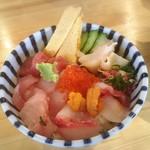 酒が呑める魚屋 大輝鮮魚店 - 海鮮丼