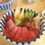 酒が呑める魚屋 大輝鮮魚店 - 本マグロ丼