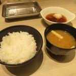 博多天ぷら たかお - ご飯、味噌汁など