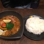 スープカレーlavi - 友人の角煮焙煎エビスープ
