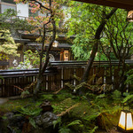 ふじや - こころ安らぐ緑に穏やかに流れゆく時間。風情ある京都をご満喫いただけます。