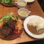 66725600 - 肉屋のステーキプレート950円+カレーかけ50円