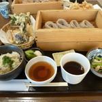 蕎膳 楽 - 旬の野菜天ぷらとたけのこご飯のセット