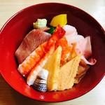 あそこ寿司 - 特上ちらし(2,500円)