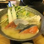 海鮮れすとらん四季庵 - 銀鮭味噌鍋