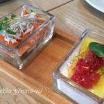 ブランチキッチン - ・湘南フルーツトマトとモッツァレラチーズのパンナコッタ ・地シラスとノルディックサーモンのサラダ仕立て