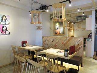 魚バカ一代 大漁旗 天神店 - イマドキのお洒落な居酒屋です。