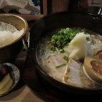 鍋焼らうめん ひさし - 鍋焼きラーメン750円