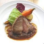 コチェリーノ - [ランチ]メイン(肉料理・日替わり) つけ合わせの野菜まで主役です